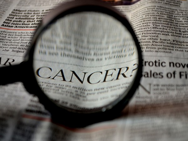 Study suggests ovarian cancer cells adapt to their surroundings to aid tumour growth