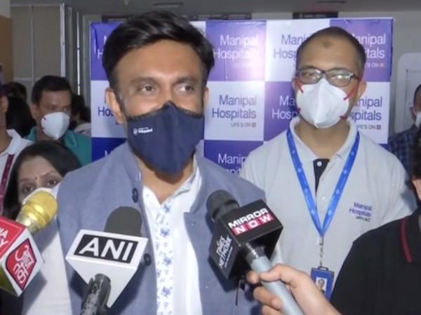 Karnataka Health Minister inspects COVID-19 vaccination arrangements at Manipal Hospital