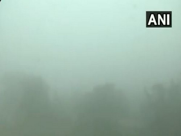 Delhi's air quality remains in 'very poor' category
