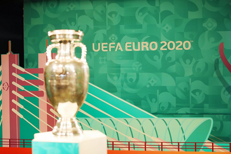 Euro 2020 fate to be decided as virus threat looms