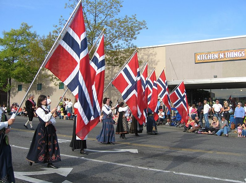Google doddle on Norwegian flag to tribute Norway's Constitution Day
