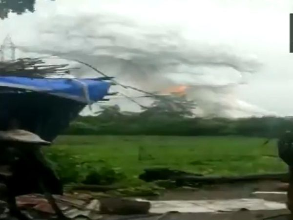 5 injured in explosion at firecracker manufacturing unit in Maharashtra's Palghar