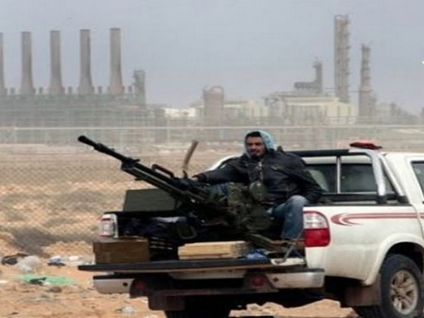 US says Libyan commander agrees to lift oil blockade