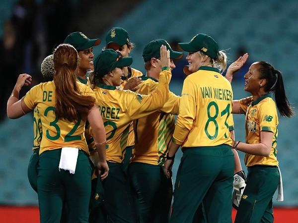 Mignon du Preez, Van Niekerk star as South Africa defeat West Indies in 4th ODI