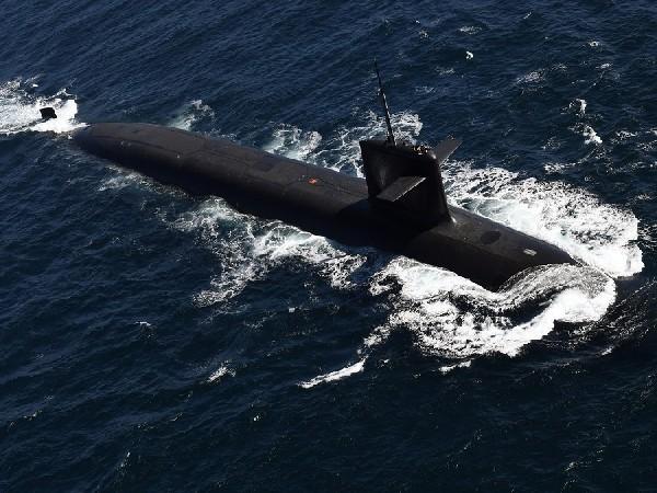 France says Australia-US submarine deal ''huge mistake''