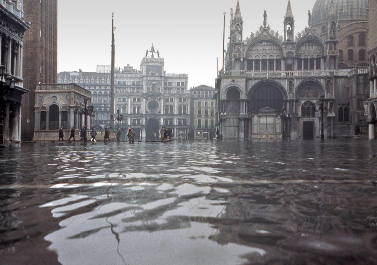 Venice's dwindling population faces mounting woes