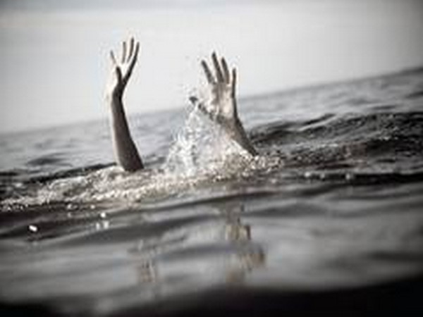 4 children of a family drown in pond in Telangana