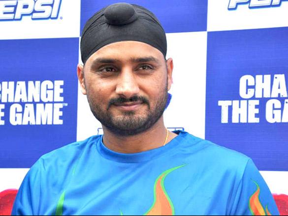 Harbhajan Singh wraps shoot of 'Friendship'