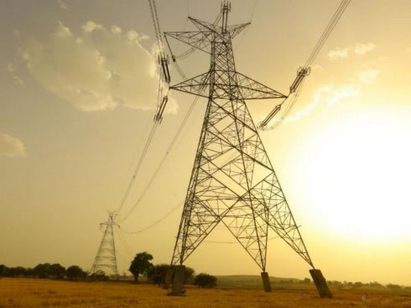 Tackling soaring energy bills, Spain to cap gas price, utilities' profits