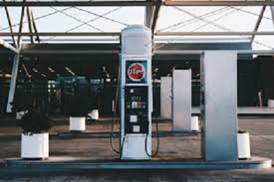 Nigeria to lower gasoline pump prices to 130 naira -sources