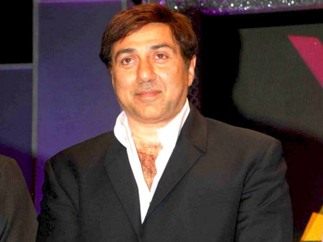 EC acts on Cong complaint against Fb page in support of Sunny Deol