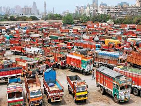Transport sector facing loss of Rs 315 cr per day due to COVID-19 restrictions