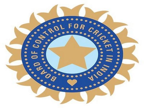 BCCI may approach Anil Kumble, VVS Laxman for head coach's post