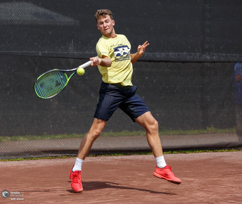 Tennis-Ruud beats Sultanov as Norway take lead in Davis Cup