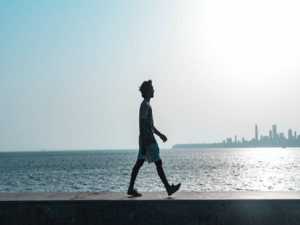 Walking efficiently doesn't require thinking: Study