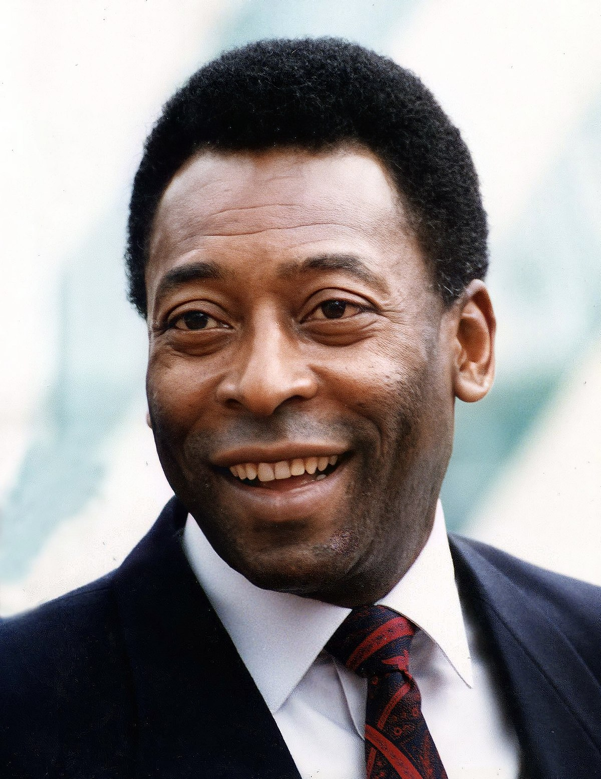 Sports News Roundup: Soccer-Pele sings for Santos as recovery continues; Golf-Garcia's wife calls on US Ryder Cup fans to cheer not jeer and more