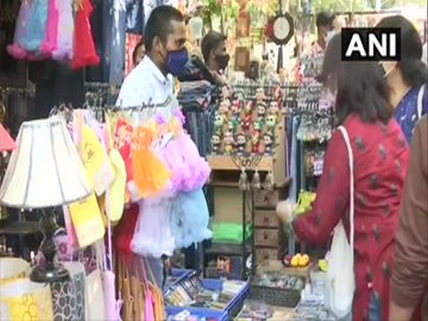 Shoppers throng Sarojini Nagar, Lajpat Nagar markets on Navratri