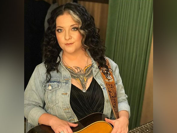 Ashley McBryde joins CMT Awards as co-host