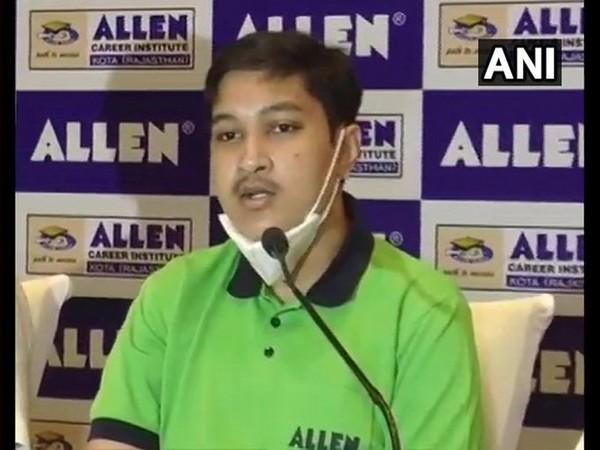 Odisha CM greets NEET topper Soyeb Aftab, wishes him bright future