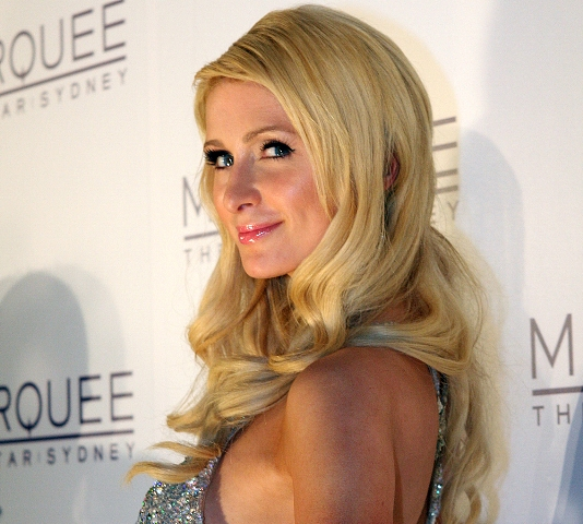 Paris Hilton calls frenemy Lindsay Lohan 'lame' on talk show