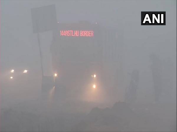 Parts of Delhi engulf in heavy fog; air quality remains 'very poor'