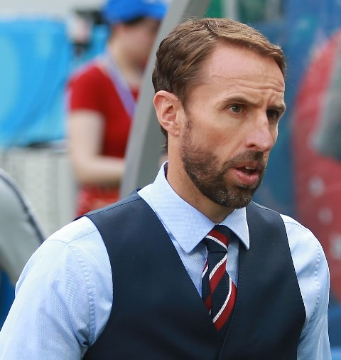 Soccer-Southgate's formation headache causing problems for England