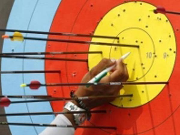 Olympics-Archery-Power of love helps Indian Das defeat London champion Oh