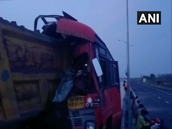4 killed, 15 migrant workers injured in bus-truck collision in Maharashtra's Yavatmal
