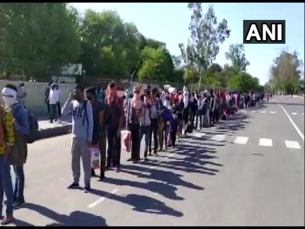 No buses from Anand Vihar bus station to UP, Bihar,Uttarakhand: Delhi Police
