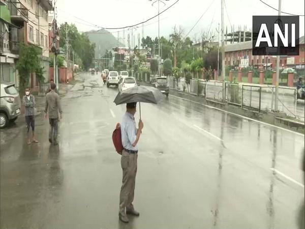 Rain lashes Srinagar, parts of Jammu and Kashmir