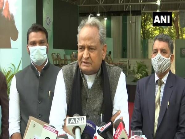 Keep working in Congress's interest: Gehlot to Amarinder Singh