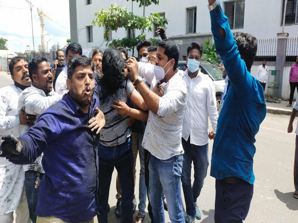 Pune: Shiv Sena workers blacken face of man who allegedly put out defamatory posts against Maharashtra CM, others