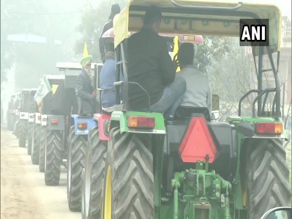 Police urge farmers to shift R-Day tractor rally to KMP e-way, farmers say won't budge from decided route
