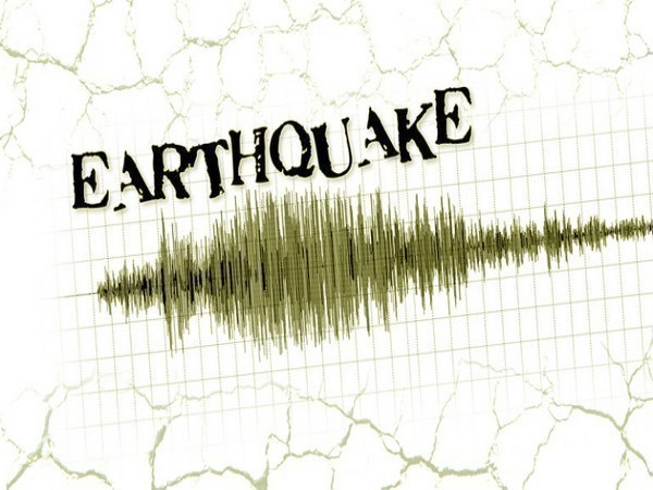 Non-uniformity of Himalayas foresees significantly large earthquake events