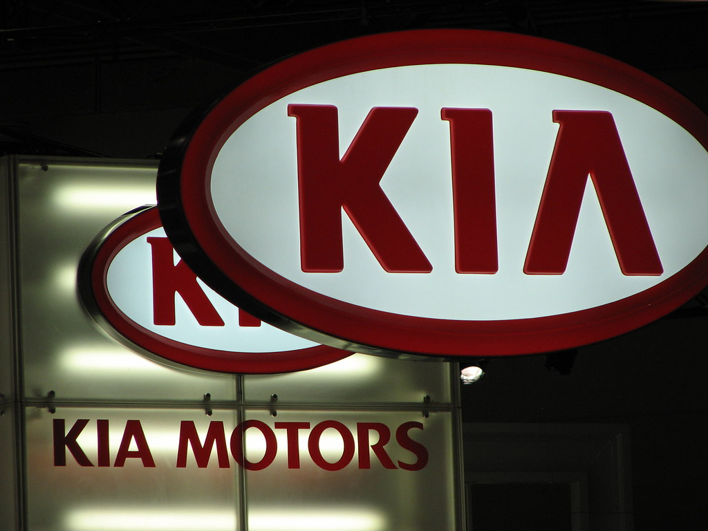 Kia Motors launches Sonet, priced Rs 6.71 lakh onwards