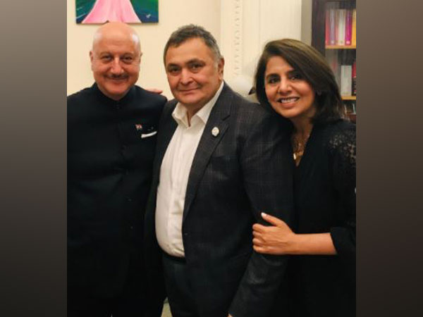 Anupam Kher goes down memory lane, shares picture with Rishi, Neetu Kapoor