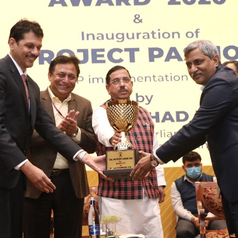 Pralhad Joshi presents Coal Minister's Award to Coal India's firms