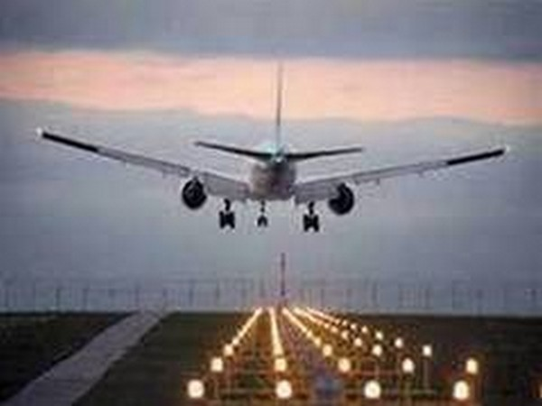 Sri Lanka resumes commercial flights after 10-month hiatus