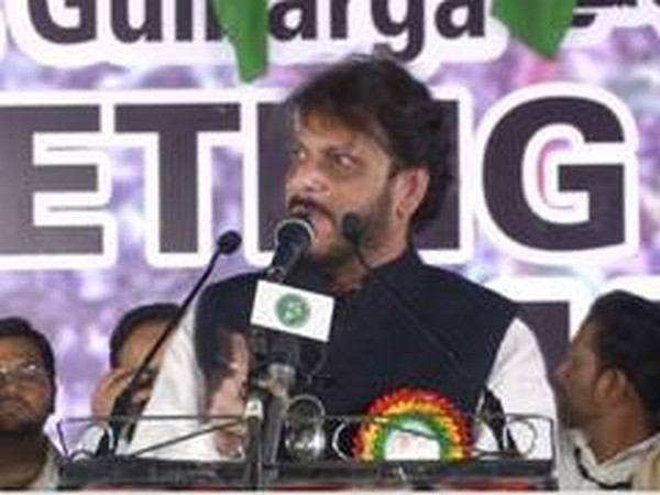 FIR registered against AIMIM leader Waris Pathan for his controversial remark