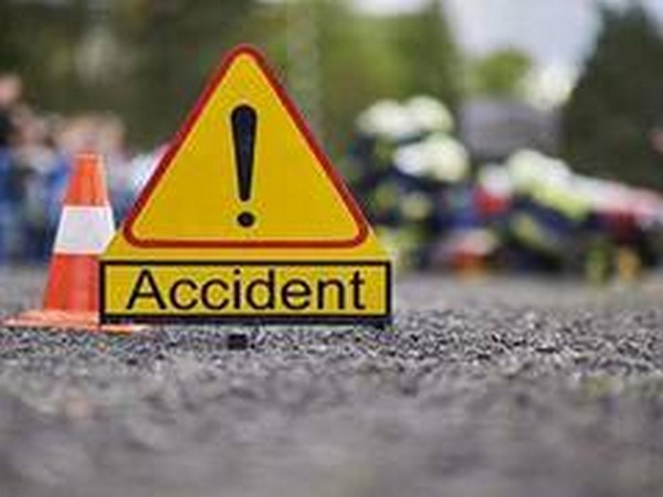 2 dead, around 30 injured in bus-truck collision in Jharkhand's Khunti