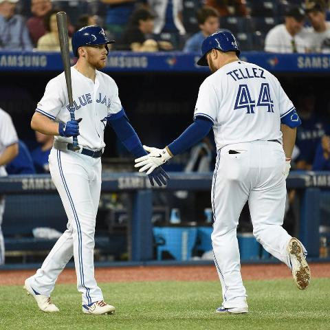 Blue Jays rely on 6-run inning to thump Red Sox
