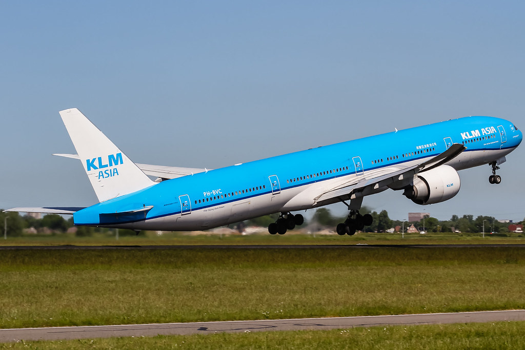 KLM ground staff to go on strike again on Sunday -trade union