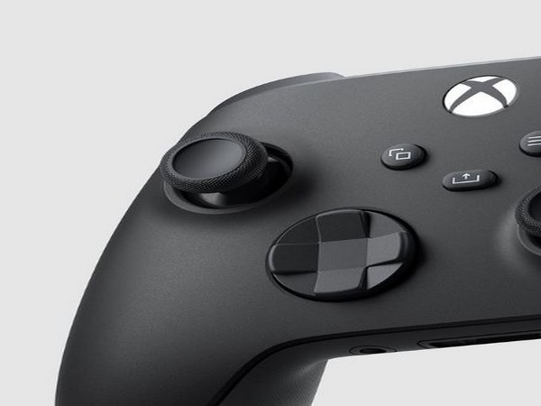 Microsoft, Apple working on Xbox Series X controller support for iPhones and iPads