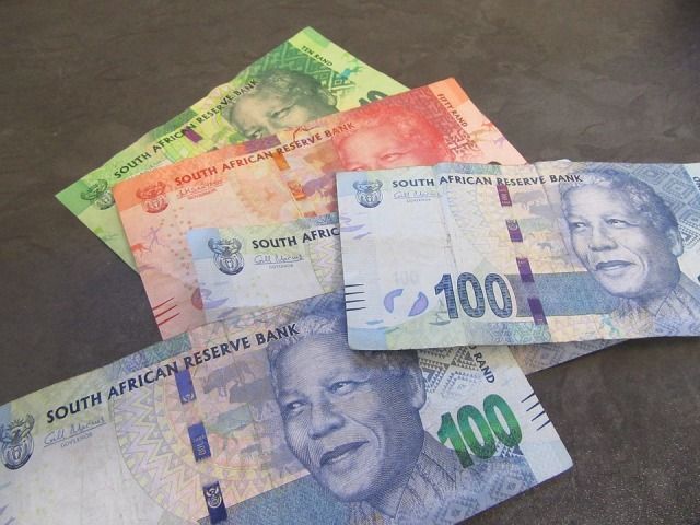 SA: FM says no one discussing to alter central bank mandate despite governor's proposal