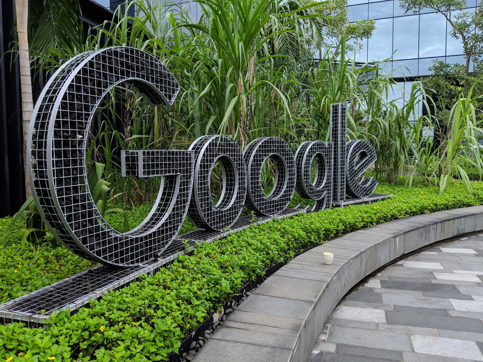 Google to contribute $29 mln to new EU fund to fight fake news