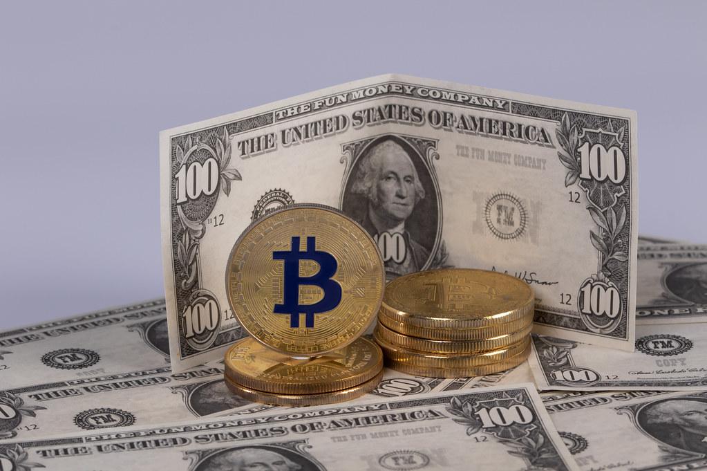 FOREX-Dollar, yen in retreat as risk sentiment revives, Musk lifts bitcoin
