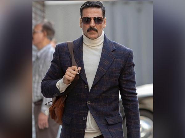Akshay Kumar donates Rs 50 lakh to help Covid hit artists