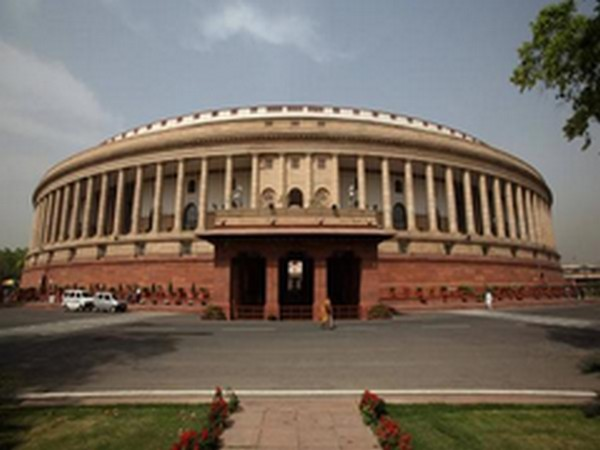 Cong MPs protest inside Parliament complex, demand repeal of new agri laws