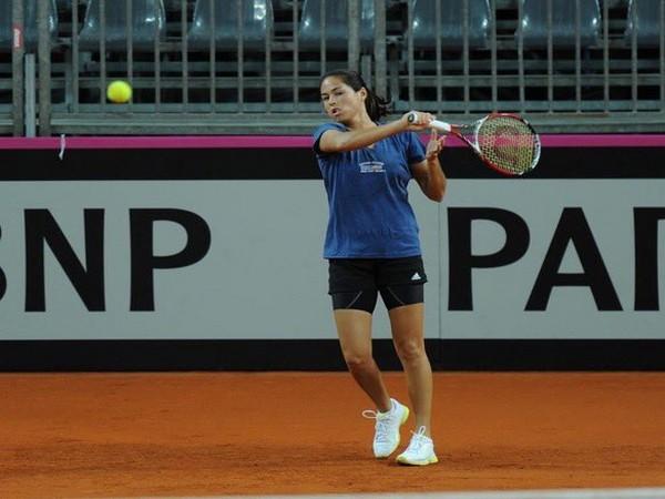 Tennis-Sublime Thiem tames De Minaur to book US Open semi-final spot