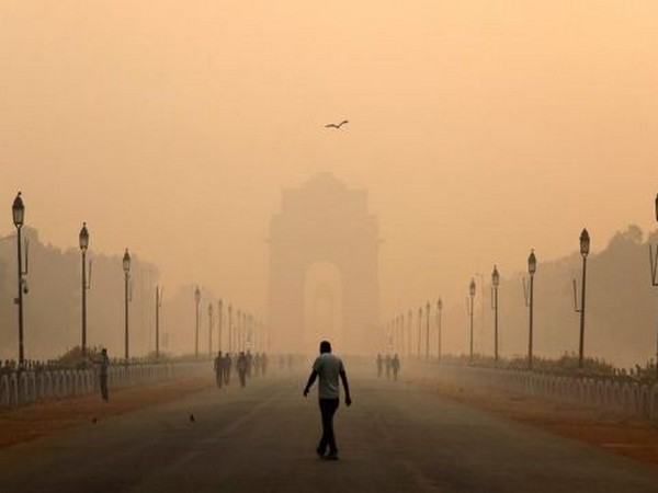Delhi's air quality in 'moderate' category; overall AQI clocks at 162